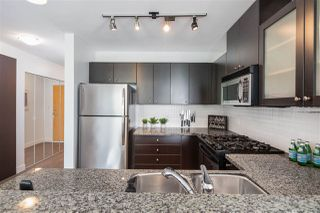 "Photo 12: 405 124 W 1ST Street in North Vancouver: Lower Lonsdale Condo for sale in ""Q"" : MLS®# R2458347"