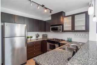"Photo 13: 405 124 W 1ST Street in North Vancouver: Lower Lonsdale Condo for sale in ""Q"" : MLS®# R2458347"