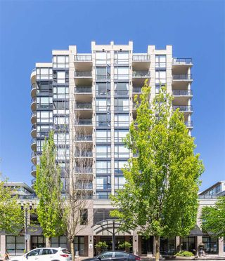 "Photo 27: 405 124 W 1ST Street in North Vancouver: Lower Lonsdale Condo for sale in ""Q"" : MLS®# R2458347"