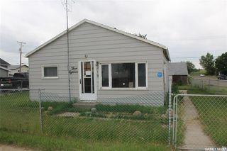 Photo 1: 318 Carbon Avenue in Bienfait: Residential for sale : MLS®# SK815091