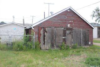 Photo 3: 318 Carbon Avenue in Bienfait: Residential for sale : MLS®# SK815091