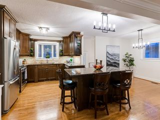 Photo 7: 438 Astoria Crescent SE in Calgary: Acadia Detached for sale : MLS®# A1010391