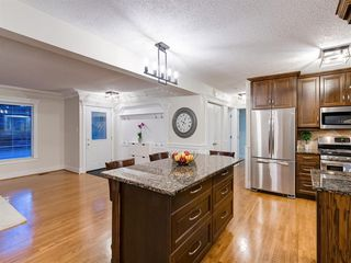 Photo 14: 438 Astoria Crescent SE in Calgary: Acadia Detached for sale : MLS®# A1010391