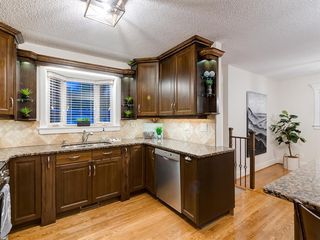 Photo 12: 438 Astoria Crescent SE in Calgary: Acadia Detached for sale : MLS®# A1010391