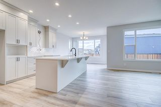 Photo 6: 12 Cranbrook Bay SE in Calgary: Cranston Detached for sale : MLS®# A1042185