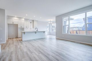 Photo 3: 12 Cranbrook Bay SE in Calgary: Cranston Detached for sale : MLS®# A1042185