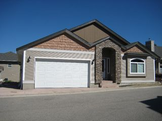 Photo 1: #12; 801 - 20th Street N.E. in Salmon Arm: Residential Residential Detached for sale : MLS®# 9210544