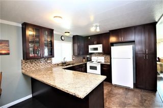 Photo 8: CARLSBAD WEST Mobile Home for sale : 2 bedrooms : 7004 San Bartolo St. #229 in Carlsbad