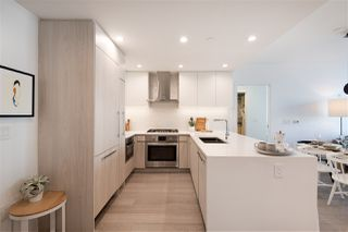 """Photo 4: 301 177 W 3RD Street in North Vancouver: Lower Lonsdale Condo for sale in """"WEST THIRD"""" : MLS®# R2521467"""