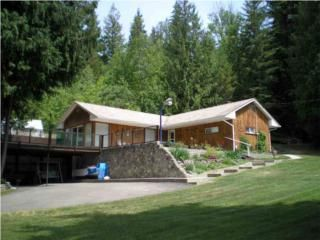 Main Photo: 2098 Eagle Bay Rd: Blind Bay House with Acreage for sale (Shuswap)  : MLS®# 10005404