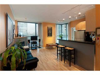 "Photo 3: # 2001 928 RICHARDS ST in Vancouver: Downtown VW Condo for sale in ""THE SAVOY"" (Vancouver West)  : MLS®# V860098"