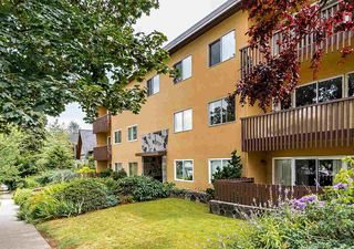 "Photo 1: 104 3784 W 16TH Avenue in Vancouver: Dunbar Condo for sale in ""Highbury Manor"" (Vancouver West)  : MLS®# R2389240"