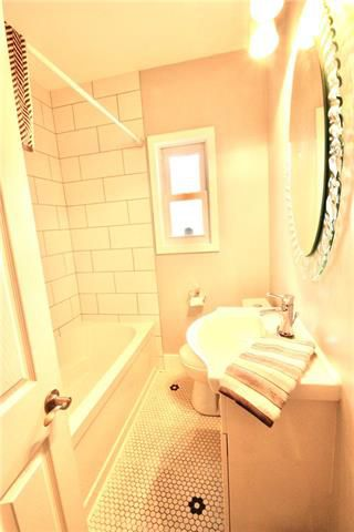 Photo 9: 1230 Dominion Street in Winnipeg: Sargent Park Residential for sale (5C)  : MLS®# 1922456