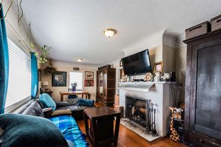 Photo 3: 1805 EIGHTH Avenue in New Westminster: West End NW House for sale : MLS®# R2399999