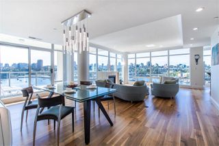 """Photo 2: 801 1515 HOMER Mews in Vancouver: Yaletown Condo for sale in """"King's Landing"""" (Vancouver West)  : MLS®# R2400957"""