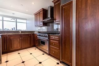 """Photo 11: 801 1515 HOMER Mews in Vancouver: Yaletown Condo for sale in """"King's Landing"""" (Vancouver West)  : MLS®# R2400957"""