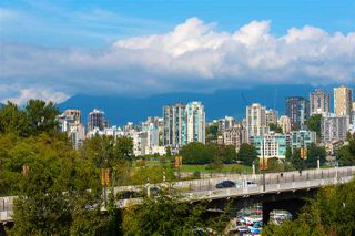Photo 19: 803 1450 PENNYFARTHING Drive in Vancouver: False Creek Condo for sale (Vancouver West)  : MLS®# R2402553
