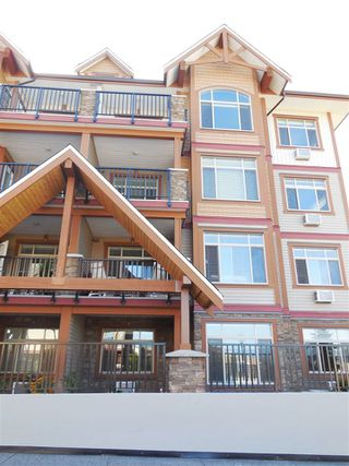 "Photo 2: 316 12565 190A Street in Pitt Meadows: Mid Meadows Condo for sale in ""CEDAR DOWNS"" : MLS®# R2411107"