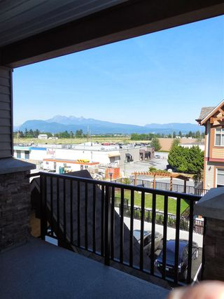 "Photo 3: 316 12565 190A Street in Pitt Meadows: Mid Meadows Condo for sale in ""CEDAR DOWNS"" : MLS®# R2411107"