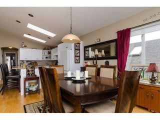 Photo 4: 938 STEVENS ST: White Rock House for sale (South Surrey White Rock)  : MLS®# F1449052