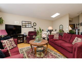 Photo 3: 938 STEVENS ST: White Rock House for sale (South Surrey White Rock)  : MLS®# F1449052