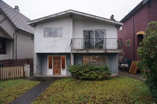 Main Photo: 834 W 18TH Avenue in Vancouver: Cambie House for sale (Vancouver West)  : MLS®# R2424422