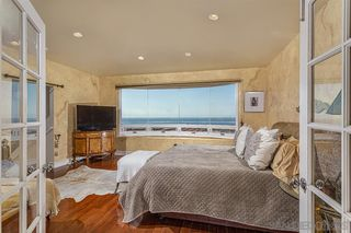Photo 9: LA JOLLA House for sale : 3 bedrooms : 5652 Linda Rosa Ave