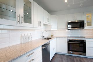 Photo 2: 1001 615 BELMONT STREET in : Uptown NW Condo for sale : MLS®# R2294805
