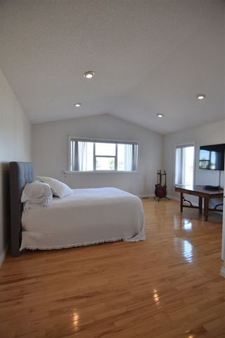 Photo 17: 417 CALDERON Crescent in Edmonton: Zone 27 House for sale : MLS®# E4204802