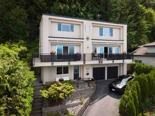 """Main Photo: 275 KELVIN GROVE Way: Lions Bay House for sale in """"Kelvin Grove"""" (West Vancouver)  : MLS®# R2473615"""