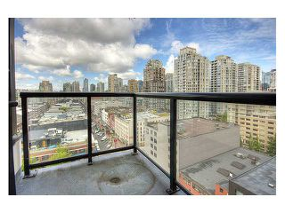 "Photo 7: # 1410 977 MAINLAND ST in Vancouver: Downtown VW Condo for sale in ""YALETOWN PARK 3"" (Vancouver West)  : MLS®# V836705"