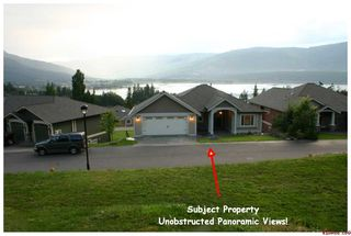 Photo 2: #32; 2990 - 20th Street N.E. in Salmon Arm: Upper Lakeshore Road Residential Detached for sale (Salmon Armq)  : MLS®# 10046022