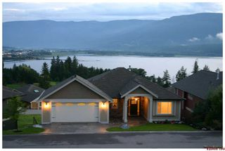 Photo 3: #32; 2990 - 20th Street N.E. in Salmon Arm: Upper Lakeshore Road Residential Detached for sale (Salmon Armq)  : MLS®# 10046022