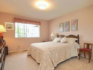 Photo 12: 4 6061 W Boundary Drive in Surrey: Boundary Drive to Railroad Townhouse for sale : MLS®# F2819610