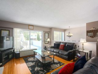 Photo 2: 1479 CELESTE Crescent in Port Coquitlam: Mary Hill House for sale : MLS®# R2390707