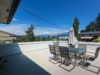 Photo 4: 1479 CELESTE Crescent in Port Coquitlam: Mary Hill House for sale : MLS®# R2390707