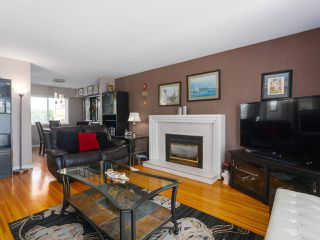 Photo 3: 1479 CELESTE Crescent in Port Coquitlam: Mary Hill House for sale : MLS®# R2390707