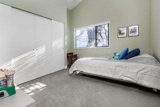 Photo 17: 4277 KEVIN Place in Vancouver: Dunbar House for sale (Vancouver West)  : MLS®# R2393097