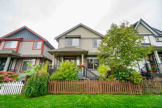 """Photo 3: 6672 195 Street in Surrey: Clayton House for sale in """"Clayton Heights"""" (Cloverdale)  : MLS®# R2411157"""