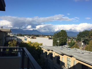 Main Photo: 3804 COMMERCIAL Street in Vancouver: Victoria VE Townhouse for sale (Vancouver East)  : MLS®# R2411854