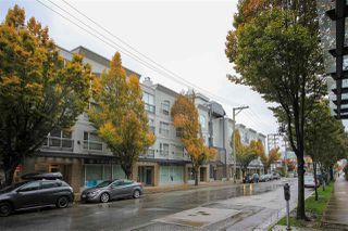 """Main Photo: 211 511 W 7TH Avenue in Vancouver: Fairview VW Condo for sale in """"Beverly Gardens"""" (Vancouver West)  : MLS®# R2414514"""
