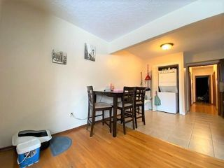 Photo 3: 2307 WESTMOUNT Road NW in Calgary: West Hillhurst Duplex for sale : MLS®# C4289811