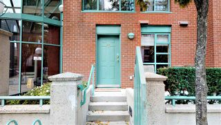 Photo 1: TH 937 HOMER STREET in Vancouver: Yaletown Townhouse for sale (Vancouver West)  : MLS®# R2499588