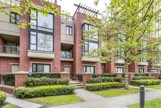 Photo 43: 4 11 E Royal Ave in New Westminster: Fraserview NW Townhouse for sale : MLS®# R2522729