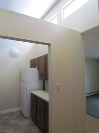 """Photo 8: 308 32733 EAST BROADWAY ST in ABBOTSFORD: Central Abbotsford Condo for rent in """"THE VILLA"""" (Abbotsford)"""