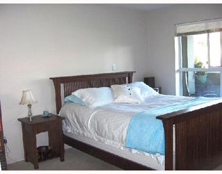 """Photo 5: 206 6676 NELSON Avenue in Burnaby: Metrotown Condo for sale in """"NELSON ON THE PARK"""" (Burnaby South)  : MLS®# V672969"""