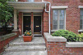 Photo 2: 52 St Nicholas St, Toronto, Ontario M4Y1W7 in Toronto: Condominium Townhome for sale (Bay Street Corridor)  : MLS®# C3518917