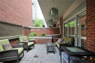 Photo 16: 52 St Nicholas St, Toronto, Ontario M4Y1W7 in Toronto: Condominium Townhome for sale (Bay Street Corridor)  : MLS®# C3518917