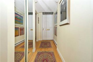 Photo 4: 52 St Nicholas St, Toronto, Ontario M4Y1W7 in Toronto: Condominium Townhome for sale (Bay Street Corridor)  : MLS®# C3518917