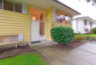 """Photo 5: 972 GARROW Drive in Port Moody: Glenayre House for sale in """"Glenayre"""" : MLS®# R2430500"""